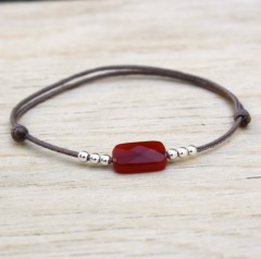 bracelet cordon rectangle agate rouge et perles argent 925